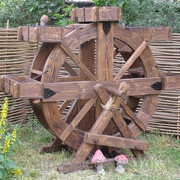 Цветочная клумба-колесо